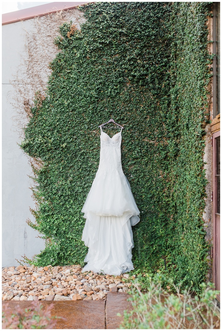 Olde Dobbin Station, Houston Texas, Texas Brides, Fall weddings, Hannah Hays Photography